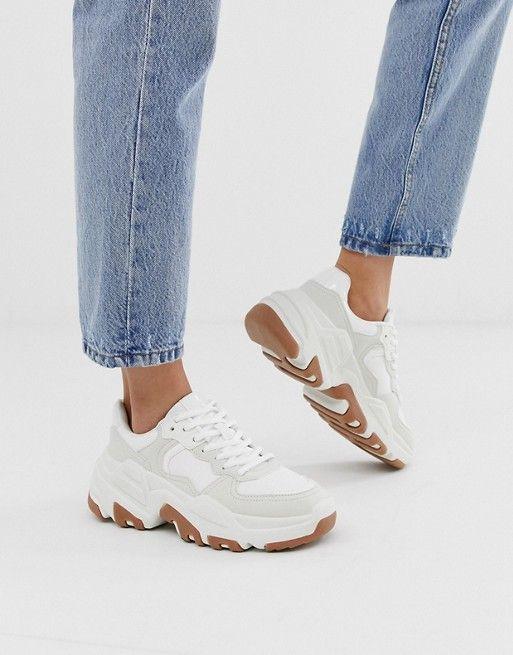 Белые кроссовки на массивной подошве Bershka   ASOS