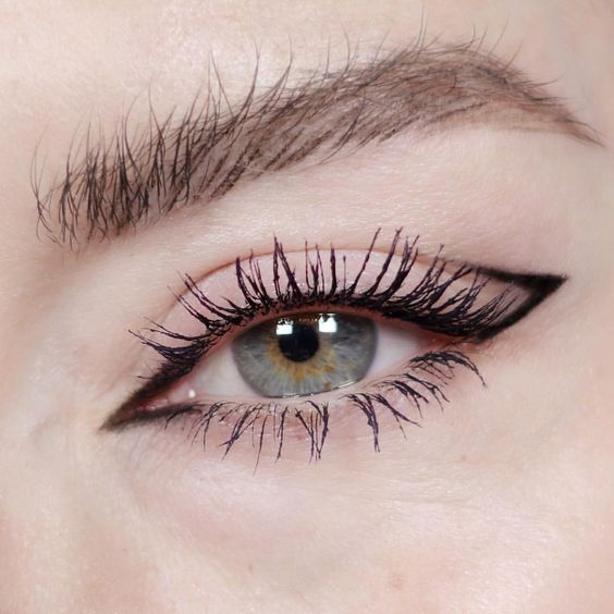 Необычные стрелки на глазах (подборка) | Макияж глаз, Макияж, Идеи ...