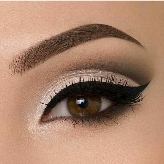 Как красиво рисовать стрелки на глазах: 10 секретов