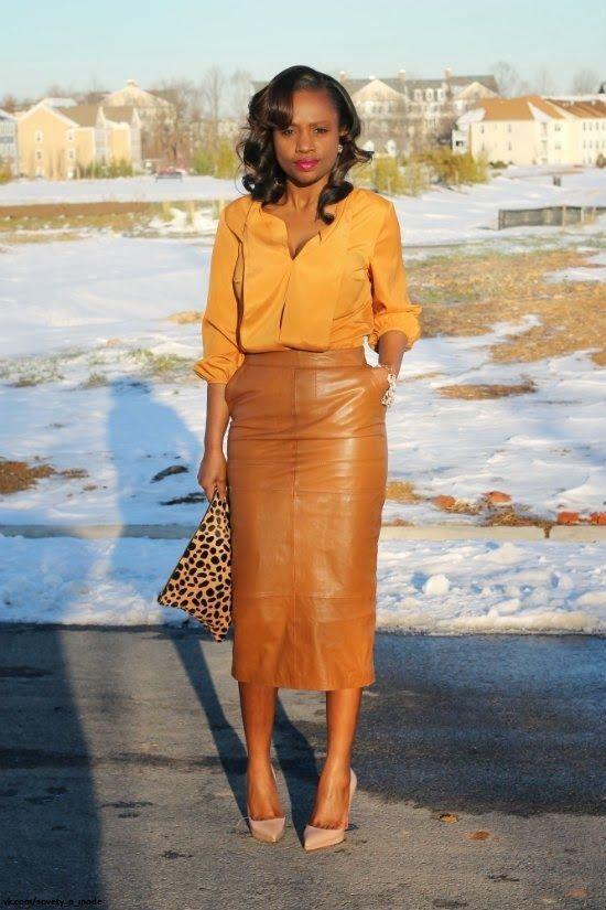Look! Кожаные юбки длины миди в образах! 1