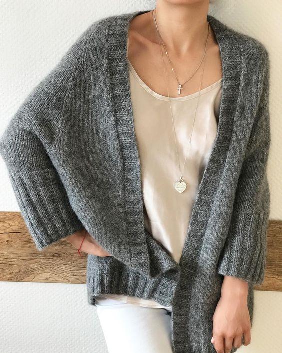 Мягкий и невесомый кардиган? Альпака 70%, Полиамид 23%, Шерсть 7% 15 000₽ вяжутнетолькобабушки #knitlovelove #knitting_inspiration #knitted_dreams_magazine #bestknitters #вязанныесвитера #вязанныекардиганы #handmade #вязаниеспицами