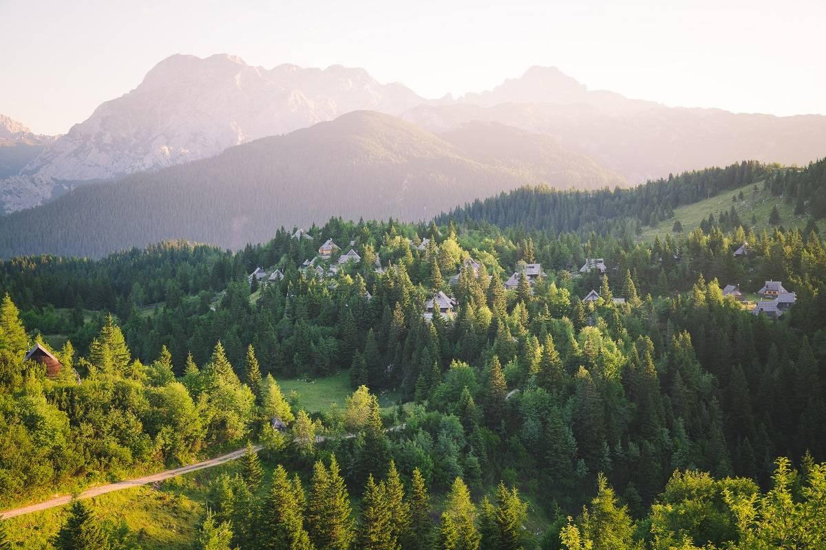 Картинки по запросу Альпы Камник-Савинья - Словения