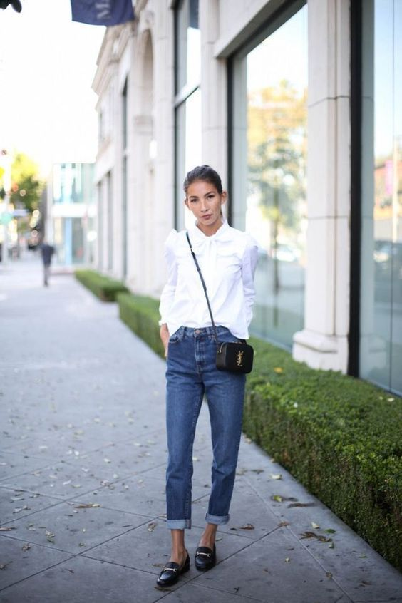 How to Successfully Wear Denim to Work