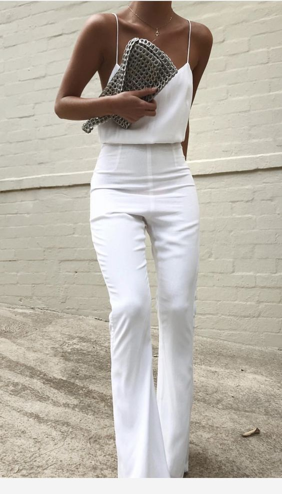 This simple all white look works for day and night. Pair it with a blazer or bri #dress #White_work