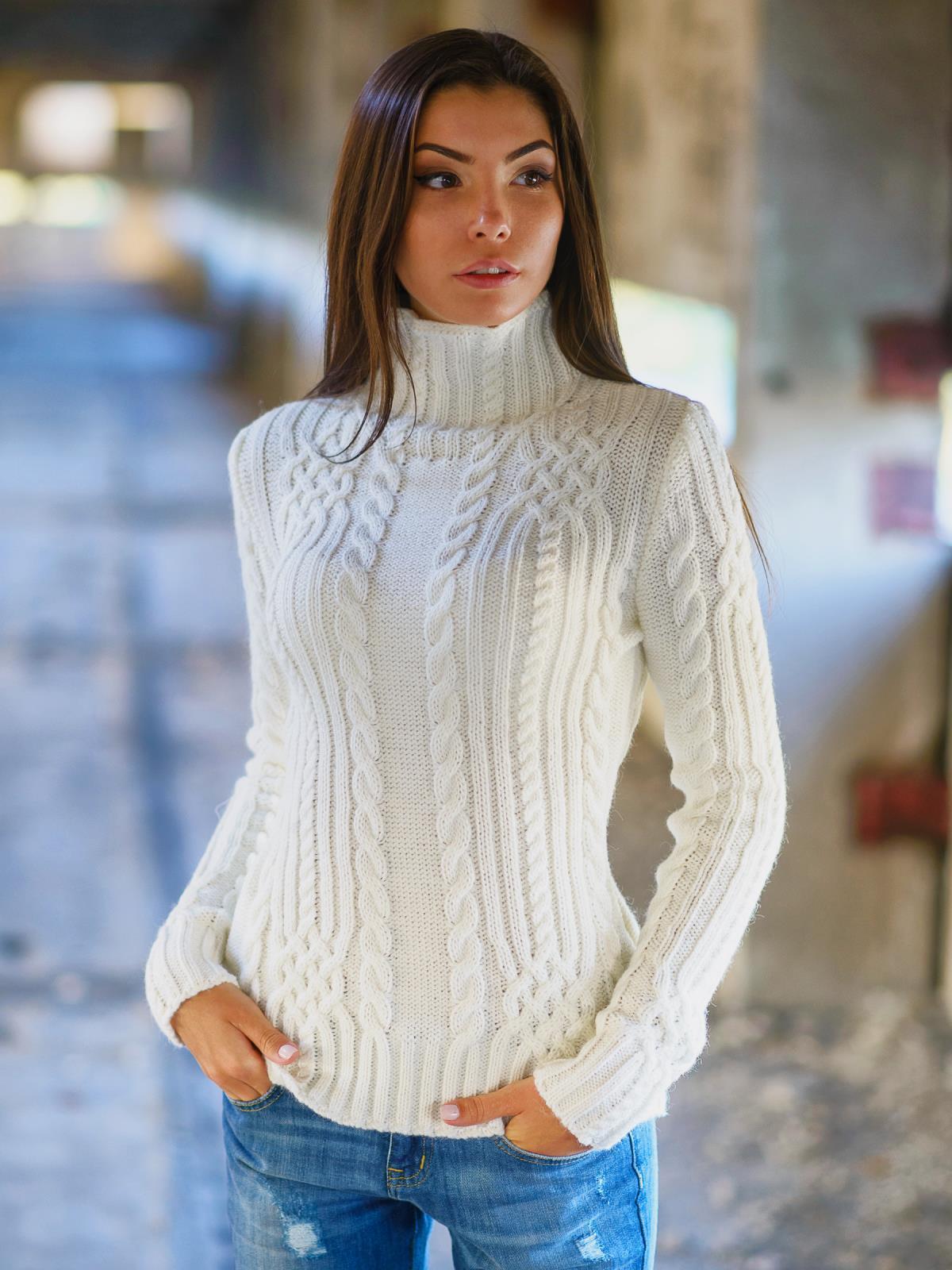 Картинки по запросу свитер в обтяжку