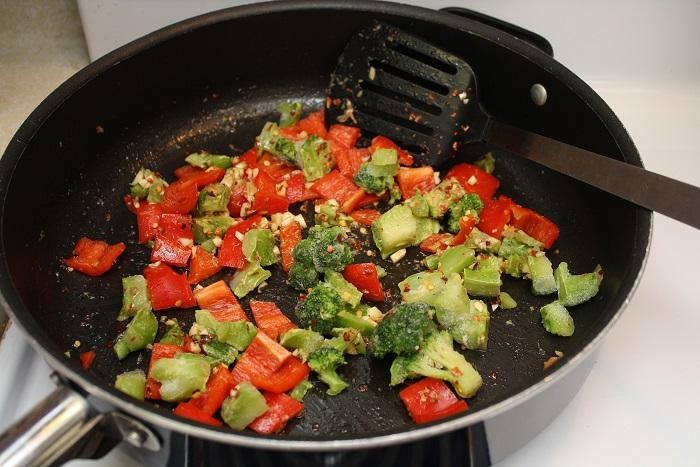 Во время термической обработки многие витамины испаряются из овощей. / Фото: attuale.ru