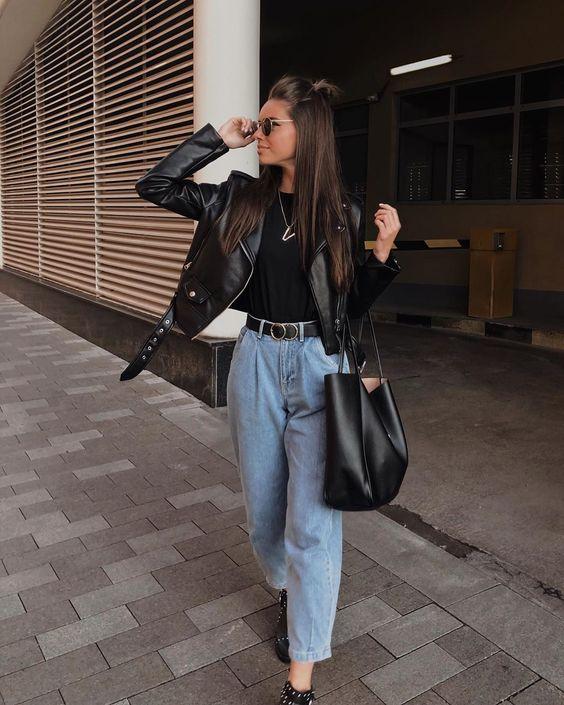 """Viktoriya Novitskaya on Instagram: """"Ох эти джинсы.? ⠀ Шаг влево, шаг вправо, лишние сто грамм на весах — и ты уже бочонок с габаритами два на два. Но за их универсальность я…"""""""