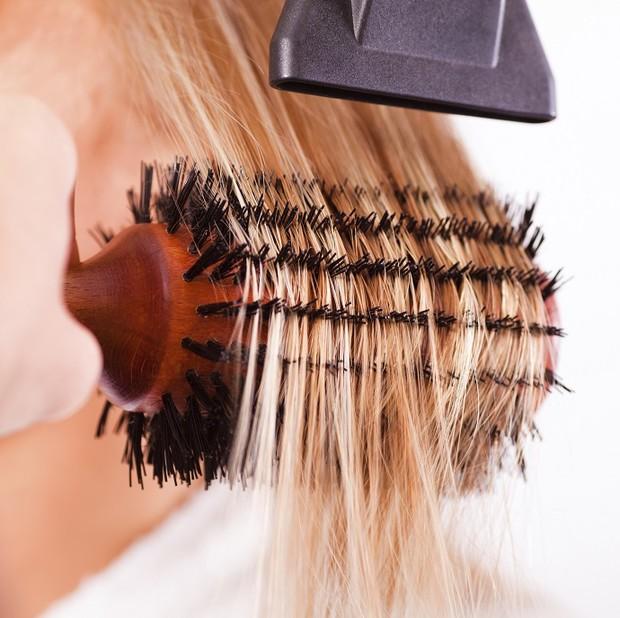 Сушка волос феном: главные ошибки
