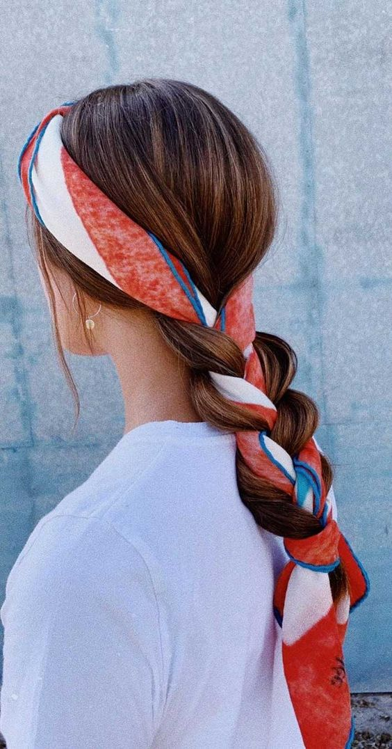 It's official Spring and becausewarmer weathercalls for a few simple changes in thehair.Whether going to the beach, on holiday, shopping or hanging out with...