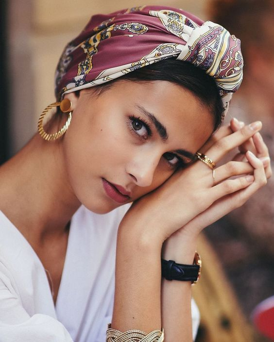 How to take picture of yourself - Carola #hairstyles #Bandana_headbands