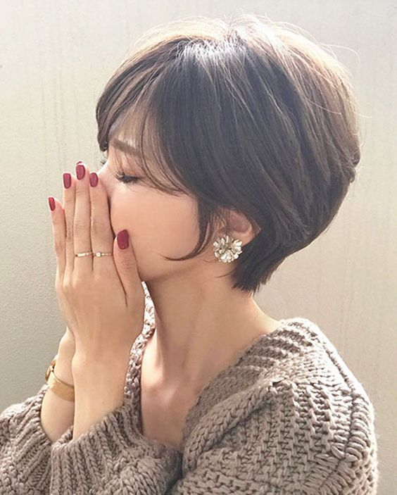 15 Charming Short Hairstyles For Women 2019