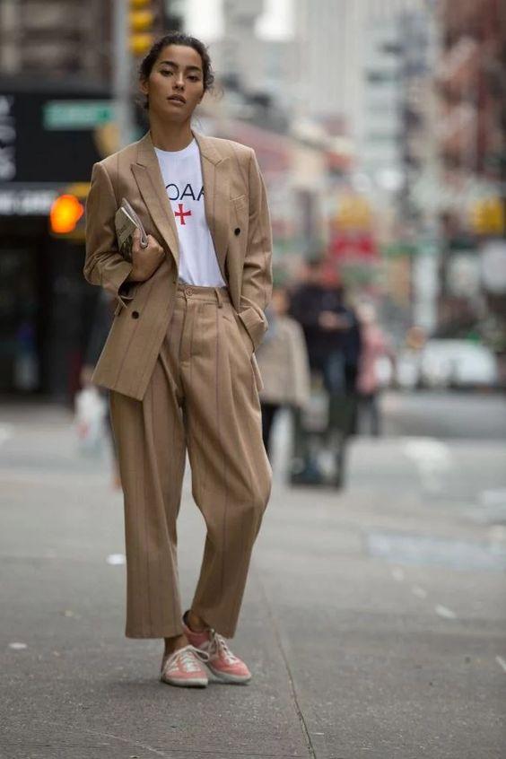 Мода 2020: как выбрать и с чем носить брючные костюмы   Новый канал