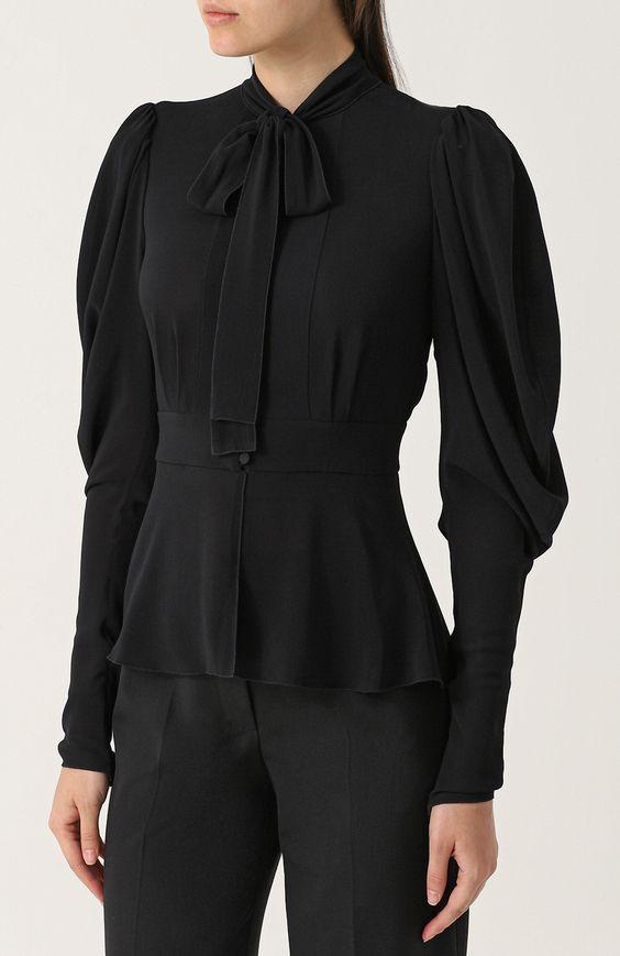 Женская черная приталенная блуза с воротником аскот Dolce & Gabbana, сезон FW 17/18, арт. 0102/F7ZW5T/FURG4 купить в ЦУМ   Фото №3