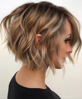 Лёгкость и простота: 22 простых причёски для коротких волос