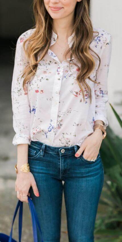 29 офисных образов с джинсами: узкие джинсы с блузкой