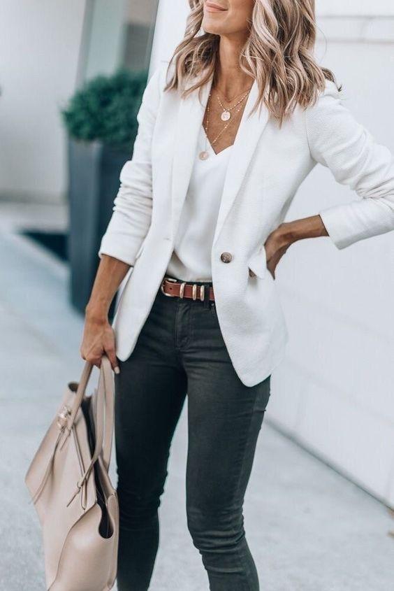 Как носить джинсы на работу и выглядеть профессионально | Новости моды