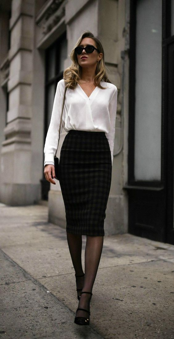 40 Classy Business Outfits for Women You Must Try #dress #Classy_chic