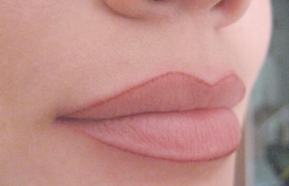 Картинки по запросу толстый контур губ