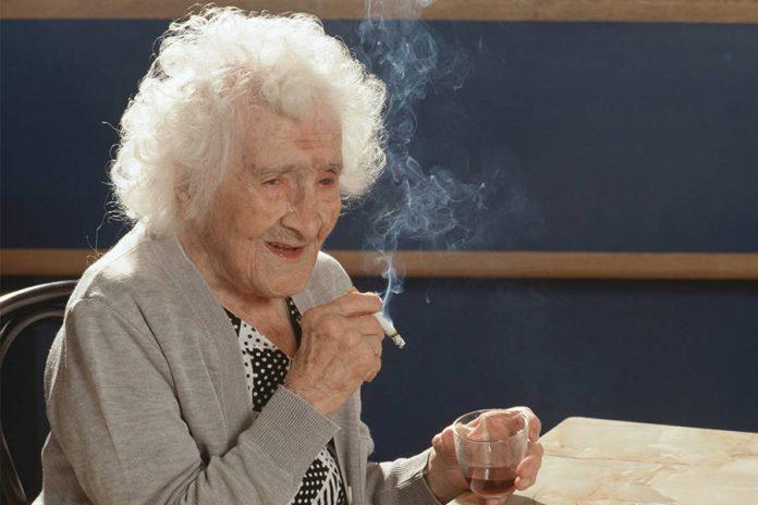 Картинки по запросу старая женщина