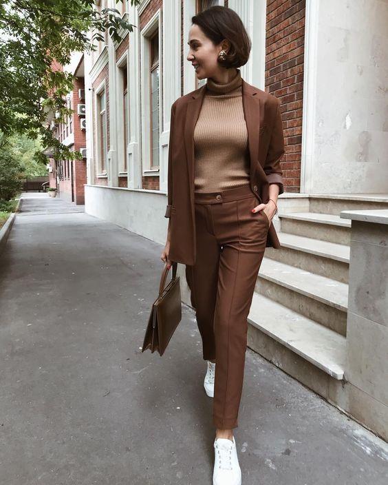 Карамельный шоколад: Вдохновляющие образы в популярном цвете этого сезона   Новости моды