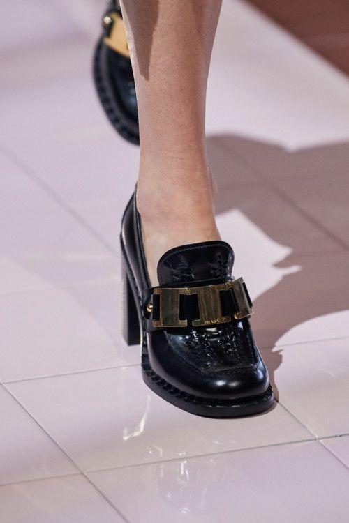 Лучшие сумки и обувь из коллекции Prada весна-лето 2020   Vogue Ukraine - Vogue UA