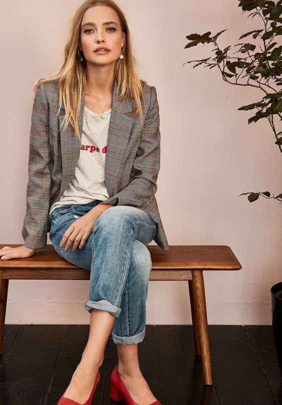 Stunning 38 Look Good Casual Chic Spring Outfits for Women 2019 looksglam.com/... - Fashion Alert