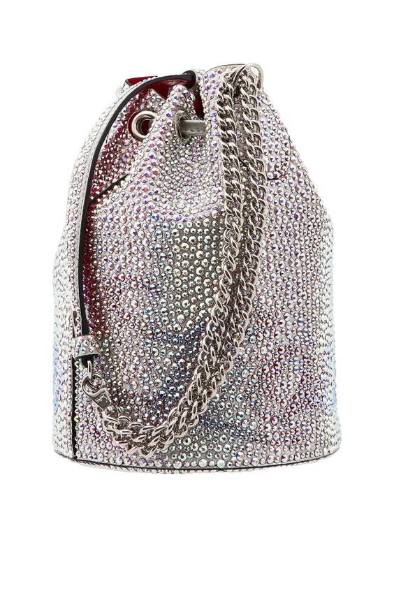 Сумка со стразами Marie Jane Strass Christian Louboutin - Сумка-ведро из серебристой металлизированной замши, сплошь усыпанная сверкающими стразами и украшенная логотипом бренда в интернет-магазине модной дизайнерской и брендовой одежды