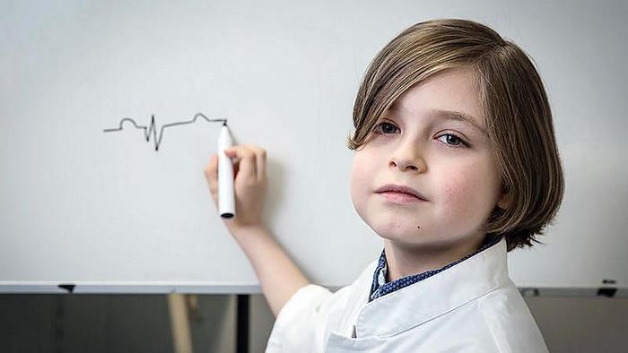«Новый Хокинг»: гениальный мальчик из Нидерландов закончил университет в 9 лет