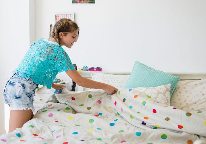 Подождите, пока пока постель проветрится, а лишь затем заправляйте / Фото: dekormyhome.ru