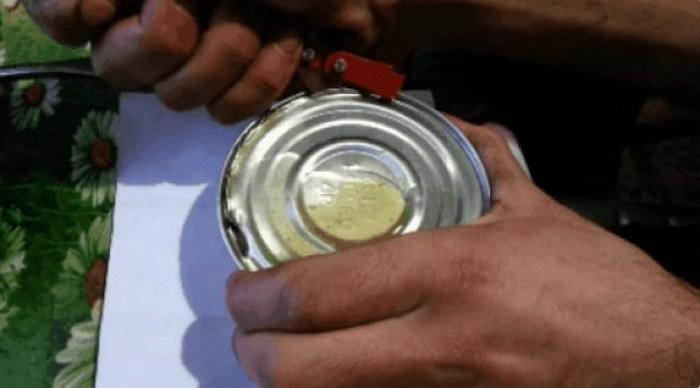Решил открыть консервы СССР, которым практически 60 лет. Что же обнаружил внутри?