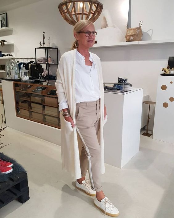 Как в 50 лет выглядеть стильно   Новости моды