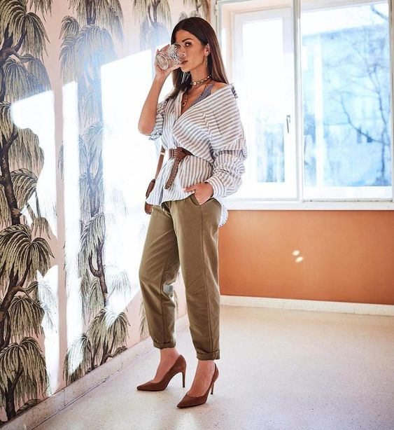 Образ с акцентом на талии делает женщину еще более стильной и привлекательной даже не в самой модной одежде.Сегодня мы бы хотели вам рассказать о 15 стильных вещах, которые в 2019 году модно носить с...