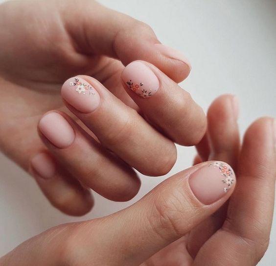 Красивый маникюр на короткие ногти 2019-2020: фото идеи маникюра на короткие ногти
