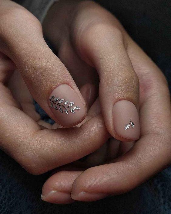 Модные тенденции в дизайне ногтей гель-лаком