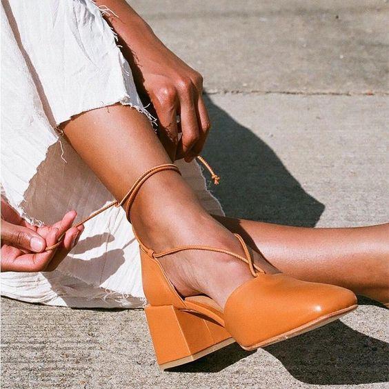 Lace-Up Medium Chunky Heel Point Toe Sandals – comfortable high heels,high heels platform,high heels strappy,pretty high heels,high heels fashion,strappy heels,shoe heels #highheelsprom #highheelsstilettos #highheelsforprom #highheelsoutfits #highheelsstreetstyle #highheelssandals #highheelswedding #icuteshoes