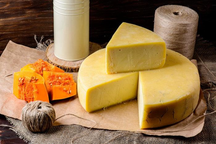 Сыр. \ Фото: chesom.com.